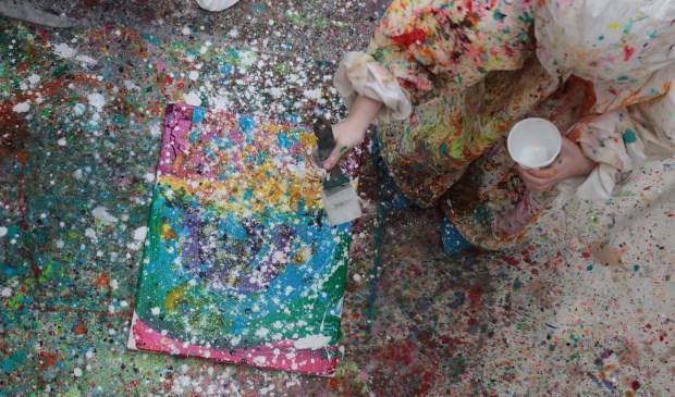 Op vrijdagavond 22 juni presenteert Kunstencentrum Waalwijk weer een Kunstcafé, dit keer helemaal in het teken van het spectaculaire Action Painting.