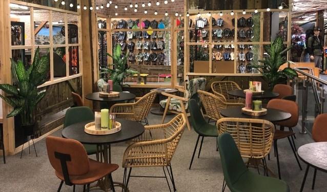 Winkelen is steeds meer een belevenis, ook bij Kampeerwereld Hendriks.