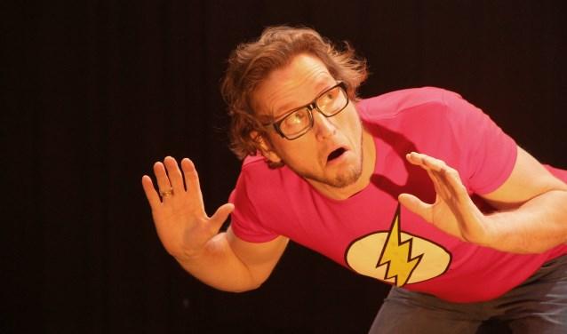 Pieter Jouke in actie tijdens zijn voorstelling 'Dingen die ik dacht' (Foto: Cindy Gerhardt).