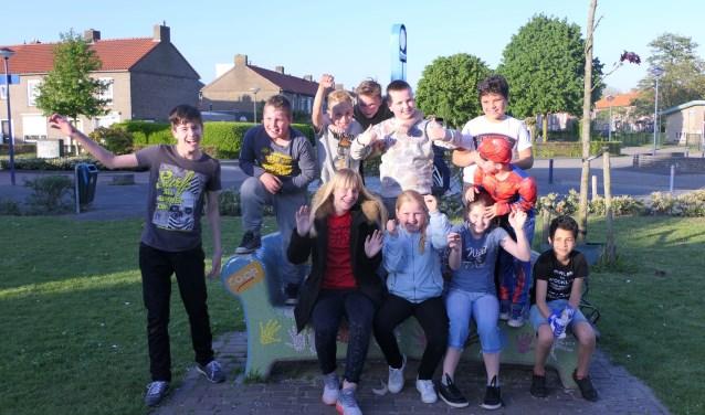 De jeugd vermaakt zich uitstekend op de speelplaats aan het Hamelpark in Oudheusden. Oudheusden is dan ook een heel fijn dorp om in te wonen. Foto: Brandarispers