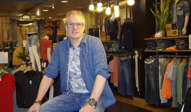 Gert-Jan Schoot is een ondernemer met veel passie en liefde voor het vak en de mode voor vrijetijdskleding. (Foto: Co Keulstra)
