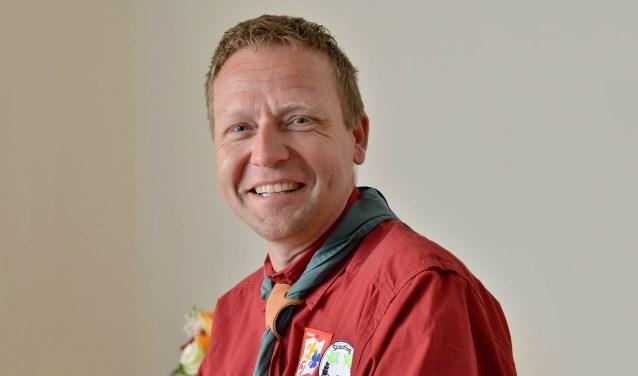 Bas Nulkes, voorzitter van Scouting Montfoort is na 44 jaar tijdelijke huisvesting, het wachten op (financiële) hulp van de gemeente Montfoort bij de nieuwbouw wel een beetje beu. (Foto: Paul van den Dungen)