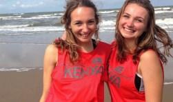 De Utrechtse meiden Mariska en Marit willen deze week de ultrazware marathon volbrengen in de Rift Valley in Kenia. Foto: UNICEF