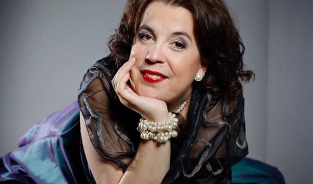 De ster van de avond met het Zeeuws Orkest: veelzijdig soliste Francis van Broekhuizen. FOTO: PR