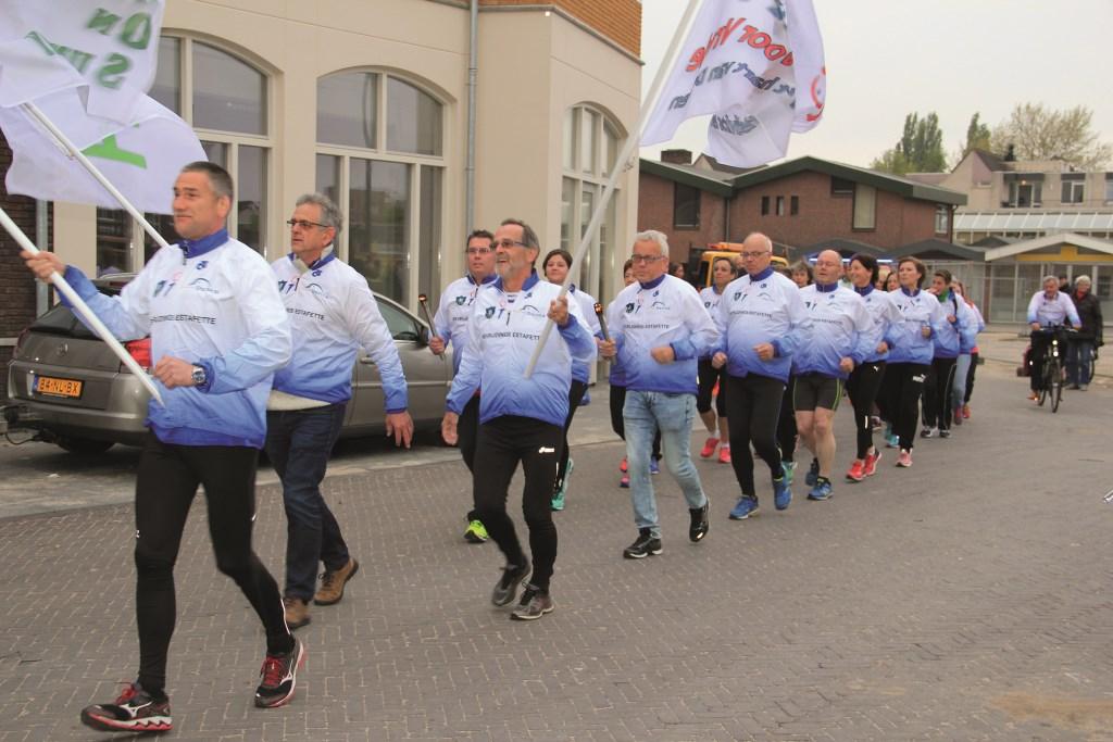Zaterdag arriveert rond 19.00 uur hardloopgroep FROS met het vredesvuur op het Remigiusplein.
