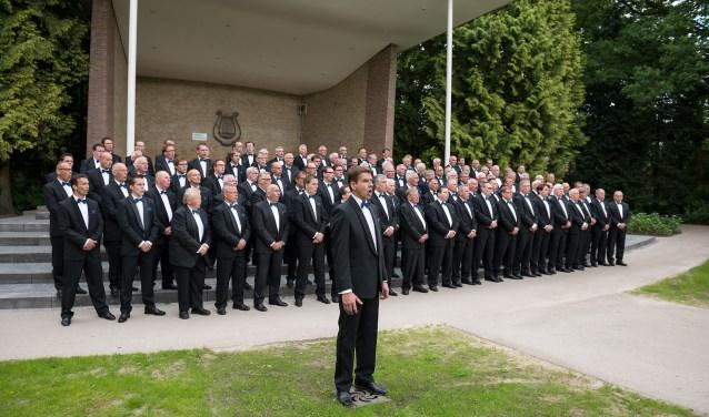 Een bijzonder concert in Enter: het Rijssens Mannenkoor treedt op met het bekende koor Mastreechter Staar.