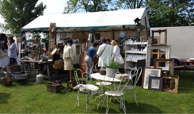 Er kwamen heel veel bezoekers af op de brocantemarkt Klein Frankrijk