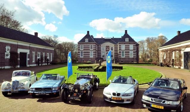 De Lionsclub Almelo cabriorit waarvan de opbrengsten naar  Special Heroes gaat.