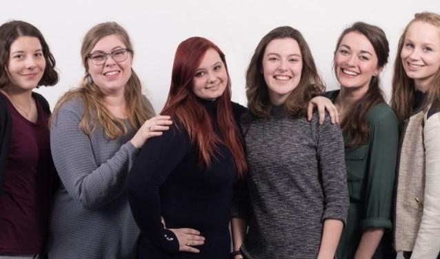 Manon, Elvera, Talitha, Rosalie, Elise en Kristel - de oprichters van Project390.