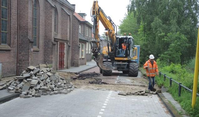 Der werkzaamheden aan de Kerkewijk zijn maandag begonnen bij de Kanaalweg. (Foto: Nico van Ginkel)