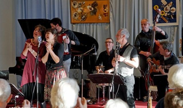 De band Agge Nebbisj. (Foto: Peter Berkenbas)