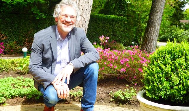 Ton Marijnissen is de eerste voorzitter van de Seniorenbond Renkum. De bond heeft zo'n 400 leden en iedere oudere vanaf vijftig jaar is van harte welkom. (foto: Marnix ten Brinke)