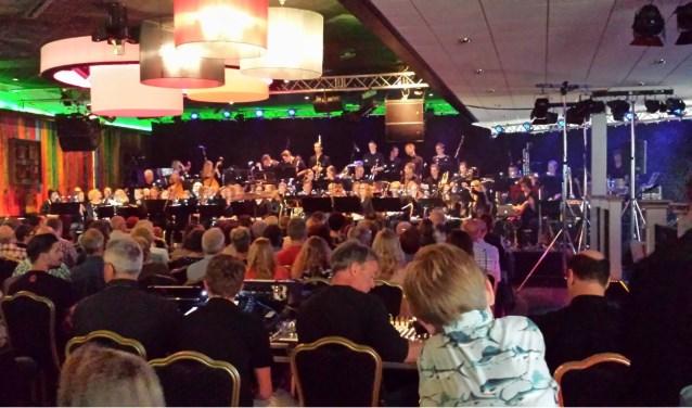 Samen met een koor en solisten geeft Harmonie Wierden een gevarieerd concert.