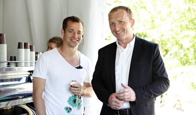 Magchiel Koekkoek (links) met de directeur van Ten Raede Groep, Jan Willem Bozuwa. (Foto: Privé)