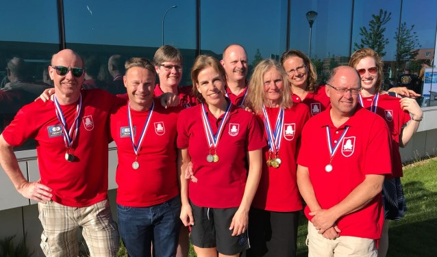 Team De Duinkikkers met de medailleoogst!!