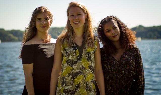 De dames van Charming Three zorgen voor extra sfeer tijdens het Moederdagshoppen.