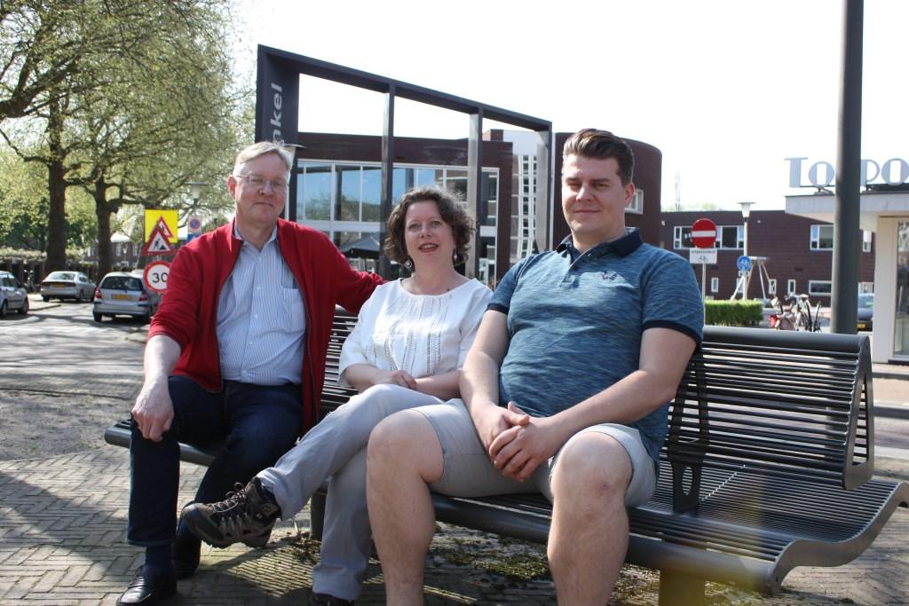 Nienke Rombeek, Will Mossink (coördinator) en Stefan Kerkhof werken bij de Stichting Door en Voor.