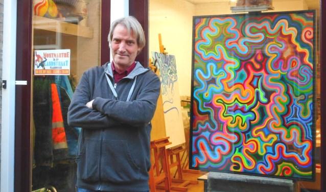 Kunstenaar Cees Eykelenboom organiseert het festival Montmartre in 'zijn' Landstraat.