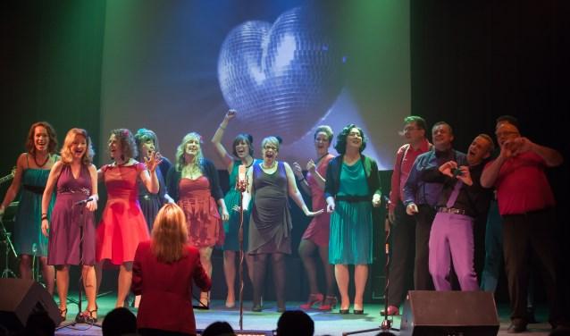 Ratatouille bestaat uit 15 enthousiaste zangers en zangeressen onder leiding van Ana Mihajlovic.