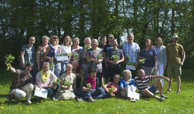 Zaterdag kregen 22 nieuwe natuurgidsen hun diploma. Foto: Anton van der Velden