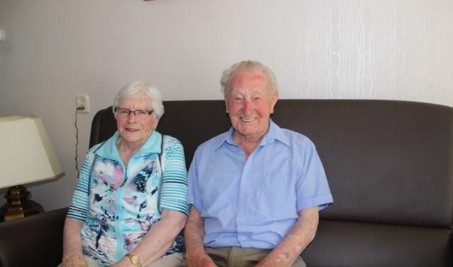 Het echtpaar Buist-Witten is al 65 jaar getrouwd en ze plakken er nog graag een aantal jaren aan vast