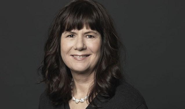 Schrijfster Carolijn Visser.