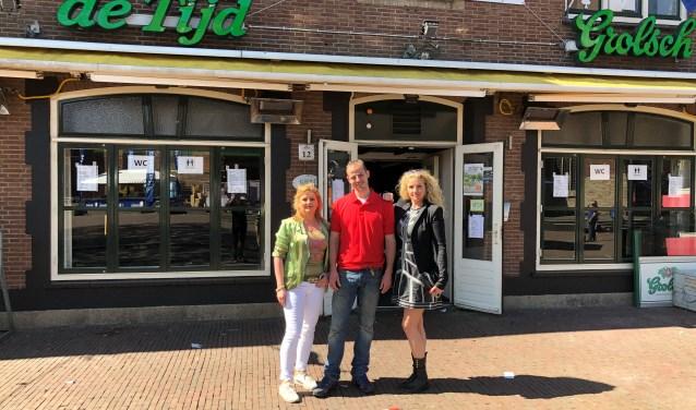 Hannie Preuter, Remco van Dijk en Linda Lingbeek organiseren veel acties om geld in te zamelen.