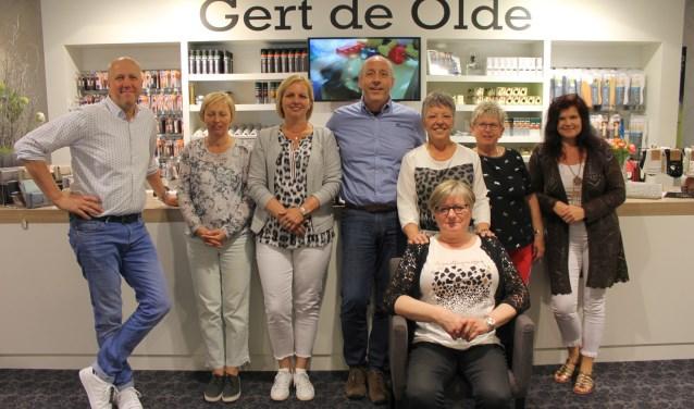 De medewerkers van Gert de Olde Schoenen zijn helemaal klaar voor de loop-comfortdagen waarbijelke dag een schoenenmerk centraal staat.