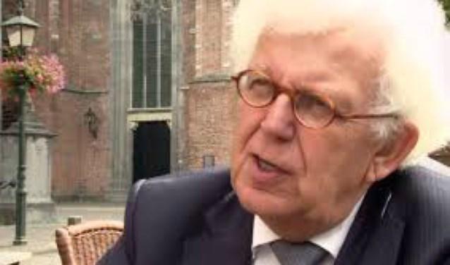 Dominee Piet de Jong even terug in Wijk bij Duurstede vanwege zijn nieuwste boek.