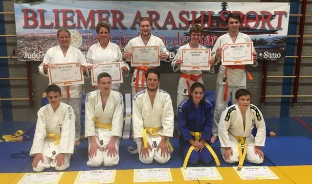De leerlingen van de Goshindo-Jujutsu-afdeling