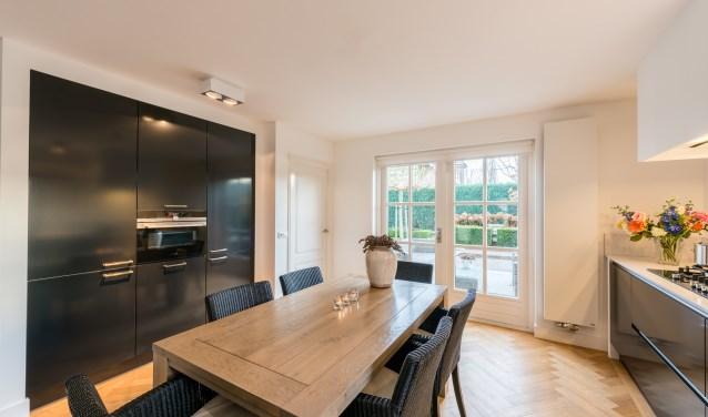 In onze zeer ruime keukenshowroom in Rijssen is een grote collectie keukens in diverse stijlen te zien. Foto: Jan van de Maat.
