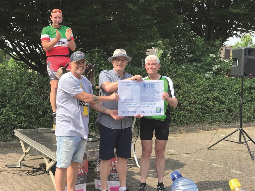 V.l.n.r.: Arno Gerretzen, Hans Frieling, Hans Hovens van Stichting Promotie Westervoort en Hans Breunissen.