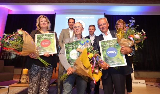 Vlnr onderste rij: Heleen Vermeulen (directeur muZIEum), Peter van der Kraan (directeur Inexeon), Wilfred Sleijffers (directeur Geba). vlnr bovenste rij: Antoine Driessen (directievoorzitter Rabobank), Bert Jeenen (voorzitter Stichting Rijk van Nijmegen Uitdaging), Sylvia Fleuren (juryvoorzitter MVO Award) (Foto: Ger Loeffen)