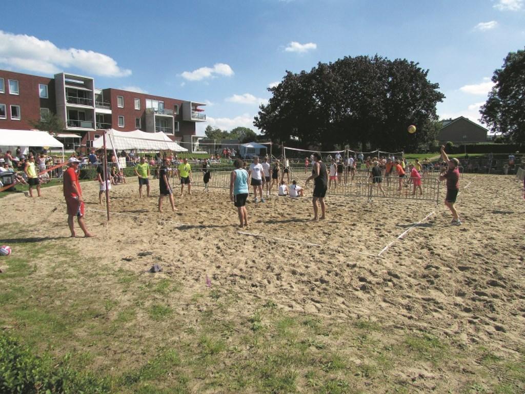Het jaarlijkse beachvolleybaltoernooi in Westervoort wordt dit jaar voor de 25e keer gehouden.