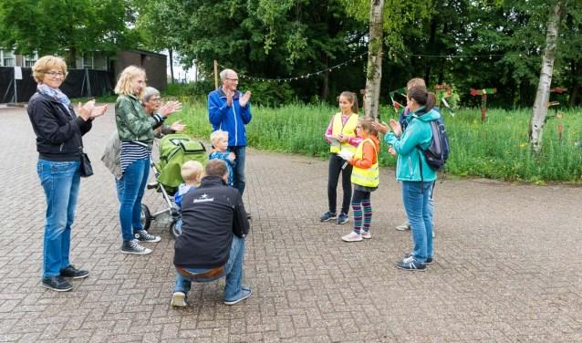 Kinderen vertellen de leukste verhalen tijdens een festival rondleiding. Foto: Rene vd Brandt