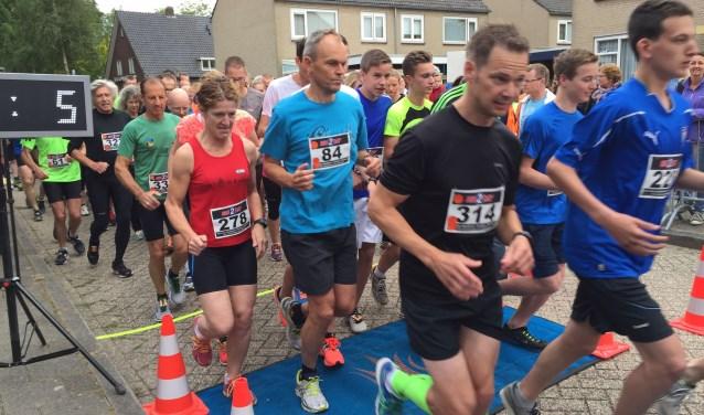 Deelnemers aan de 5 en 10 kilometer. (Foto organisatie)