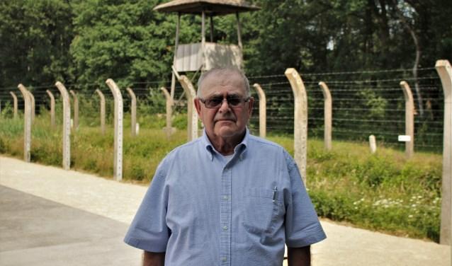 George Muller zat als dertienjarige jongen gevangen in Kamp Vught, samen met zijn zusje Ursula. Ze ontkwamen aan de kindertransporten en overleefden de oorlog. Speciaal voor de herdenking van 75 jaar kindertransport kwamen de broer en zus naar Vught terug.