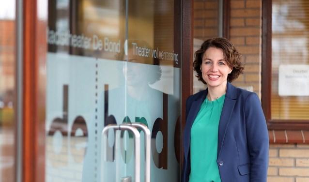Riëtte Kruize is de nieuwe directeur van stadstheater de Bond. De medewerkers zijn blij met haar komst. Foto: Suus' Fotosjop