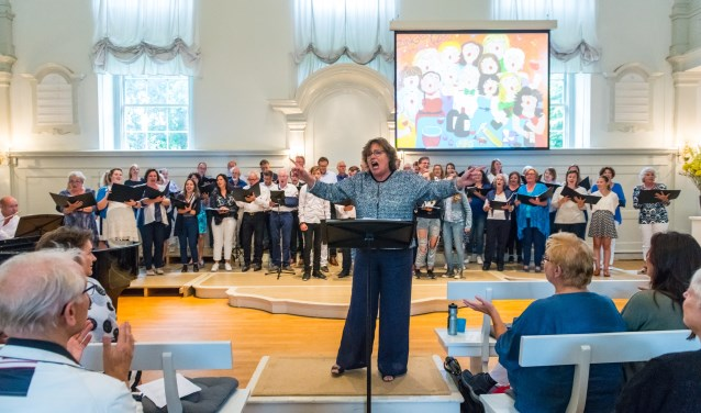 Zangtheater Jubileumconcert tijdens Sounds of the City in de Kerkzaal van de Evangelische Broedergemeente