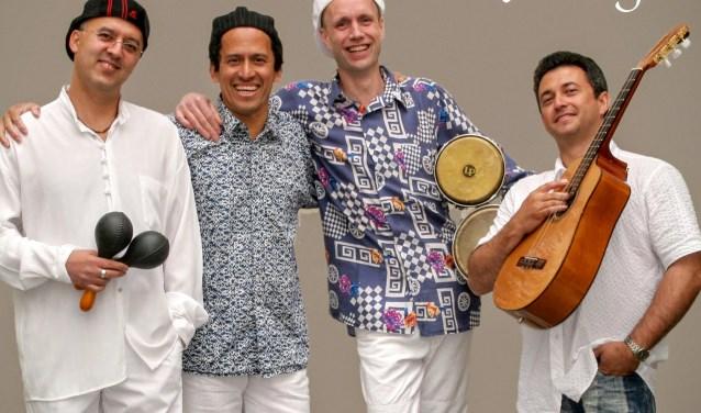 De latinband Amigos Latinos komt naar Ruurlo voor een concert.