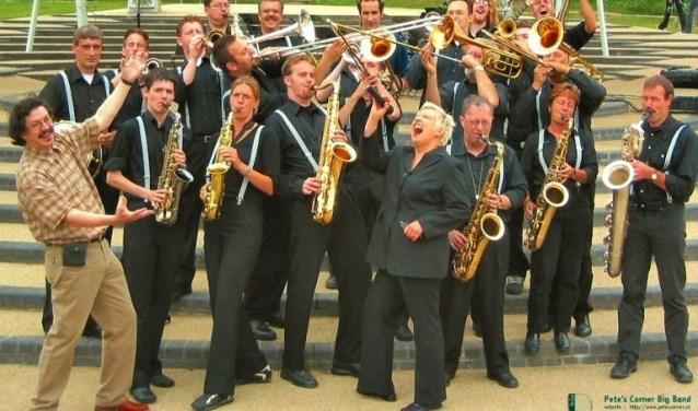 De Pete's Corner Big Band staat onder leiding van Guus Dohmen en speelt evergreens uit het oeuvre van onder andere Duke Ellington, Benny Goodman en Woody Herman.