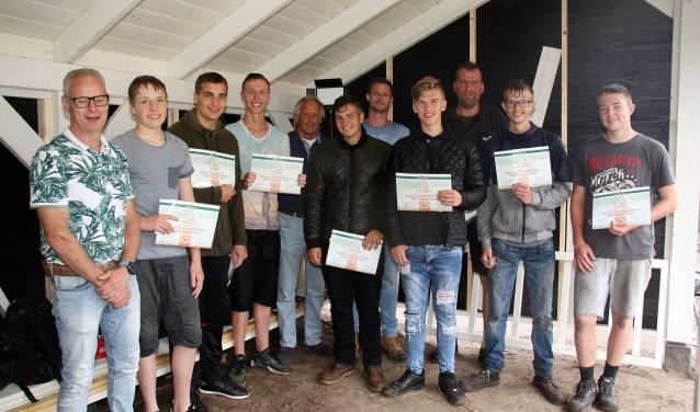 Leerlingen van Morgencollege ontvangen deelnamecertificaat van Houthandel Albert van der Horst