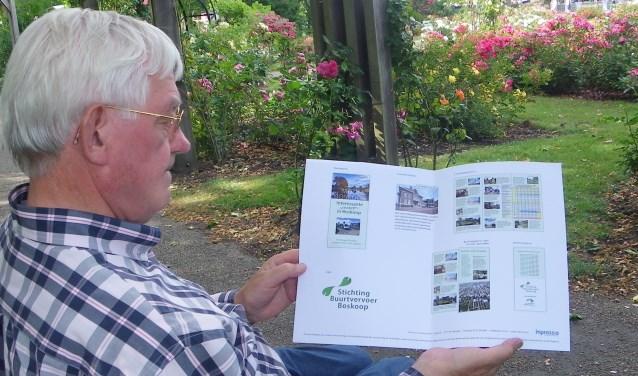 Pim Boer heeft veel plannen voor de buurtbus. In de nieuwe folder, nu in de maak, komt ook informatie over uitstapjes in Boskoop.