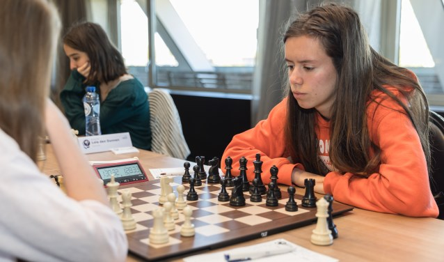 Anna Martinez in actie op het NK meisjes, waar zij zich plaatste voor het EK in Riga. (foto: Harry Gielen)