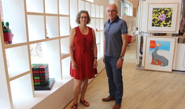 Els de Roo en Henk Eilander kijken uit naar de Kick-Off van het eerste 'Duurzaamheidscafé', dat vanavond gehouden wordt in  De Cultuurfabriek. (Foto: Henk Jansen)