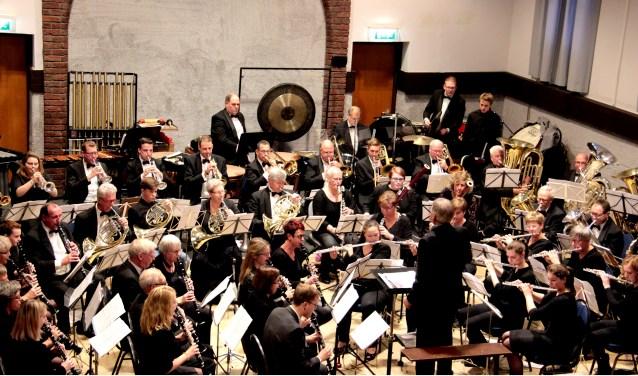Crescendo Neede treedt zaterdagavond op in of bij Het Assink lyceum.