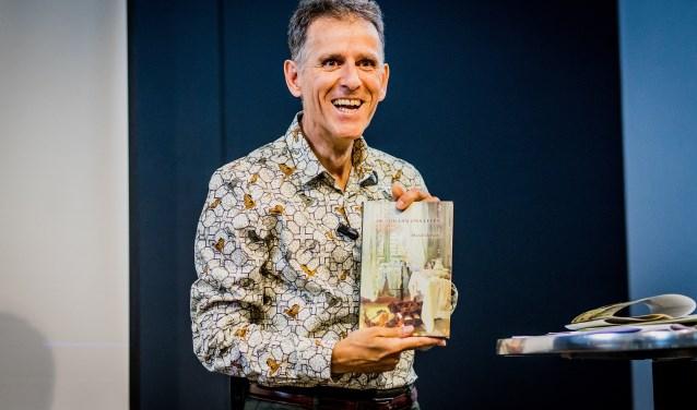 """Marcel de Roos en zijn boek """"De tijd van ons leven"""". Alle foto's door: Joeri Kemp"""