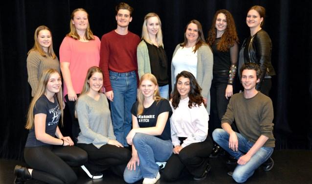 De leden van Musicalgroep Djemm! maken zich op voor een nieuwe productie: 'The Wedding Singer'. Te zien op 5, 6 en 7 oktober in De Leest.