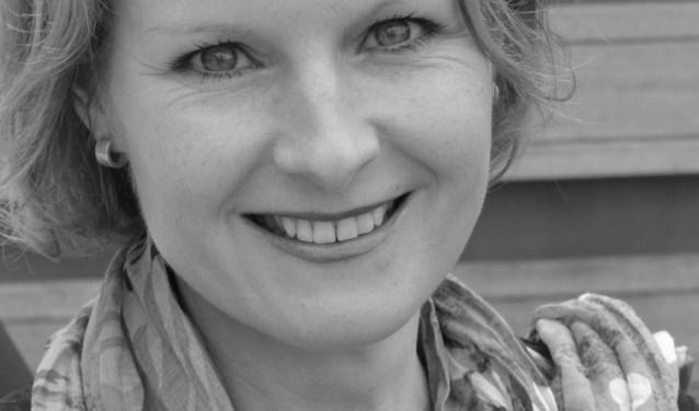 Sopraan Claudia Wijers deelt haar kennis op zanggebied.