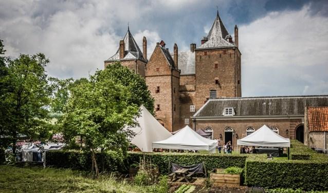 Kijk op www.slotloevestein.nl voor meer informatie over de evenementen en eventueel voor online tickets.